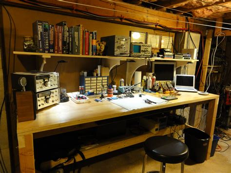 electronics workbench laboatory electronic workbench
