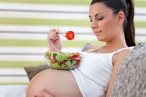 Dieta de 2500 calorias para embarazadas