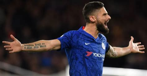 Olivier Giroud Gets Contract Extension While Willian's ...