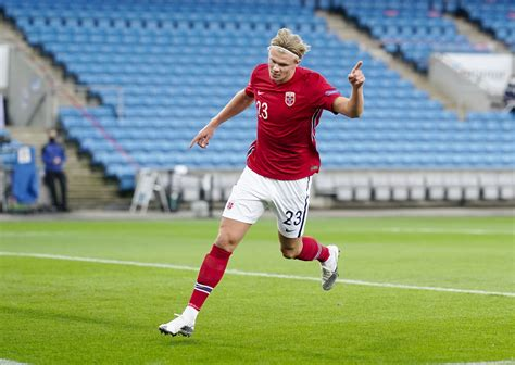 She is the first indigenous official to get involved in the decision. Haaland rockt Norwegen - erster Dreierpack für ...