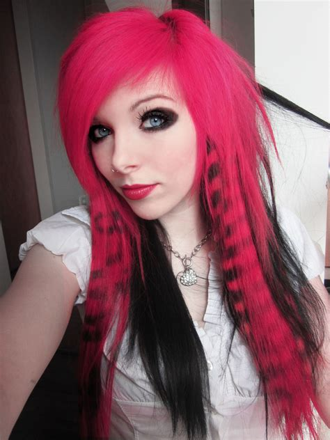 Emo Girls On Pinterest Cute Emo Girls Emo And Blue Hair