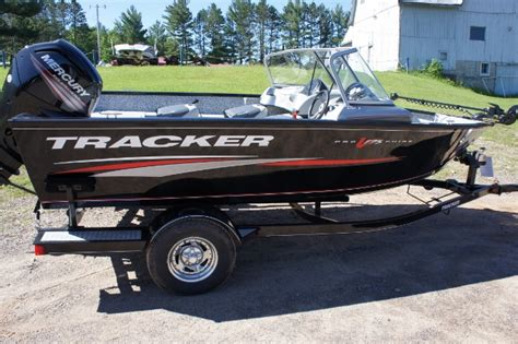 Used Bass Boats In Wisconsin by Boatsville New And Used Tracker Boats In Wisconsin