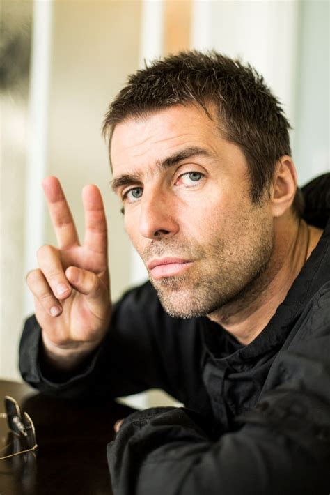 """The official facebook page of liam gallagher. Liam Gallagher sings Noel Gallagher's Oasis B-side """"D'Yer Wanna Be A Spaceman?"""" for the first ..."""