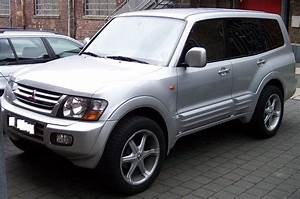 2005 Mitsubishi Pajero Photos  Informations  Articles