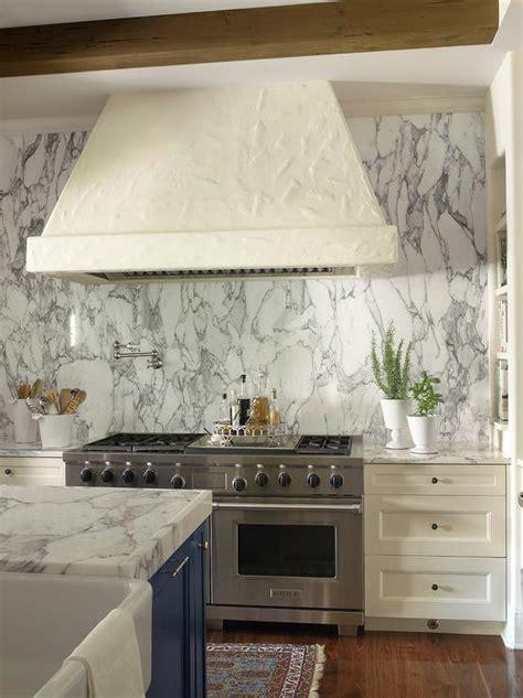 ivory kitchen cabinets  gray backsplash design ideas