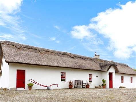 donegal cottage tar ar ais in lettermacaward county donegal this
