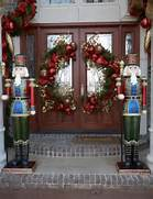 Stunning Christmas Front Door Decor Ideas Decorating Tips To Add Curb Appeal To Your Front Entryway Or Porch Entrance Decor On Pinterest Entrance Decor Entryway Decor And Foyer Front Door Designs Ideas 39