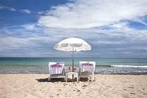 Transat De Plage : tropicana la plage restaurant de plage par la tarte ~ Dode.kayakingforconservation.com Idées de Décoration