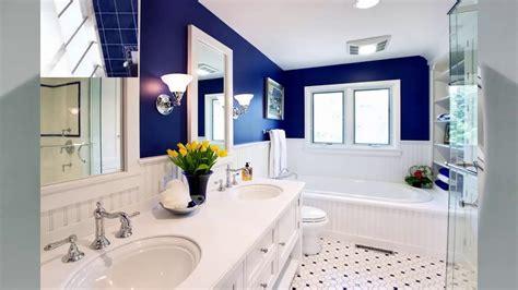 Badezimmer Blau Weiß
