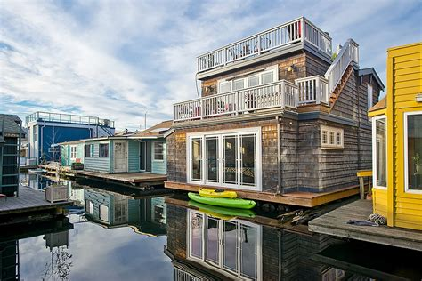 Living On A Boat Taxes by Just Listed Seattle Floating Home In Eastlake Seattle