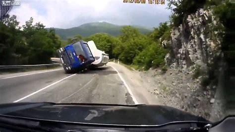 accidents de la route en russie accidents de la route part 01 hd 720 mix 233 s par r