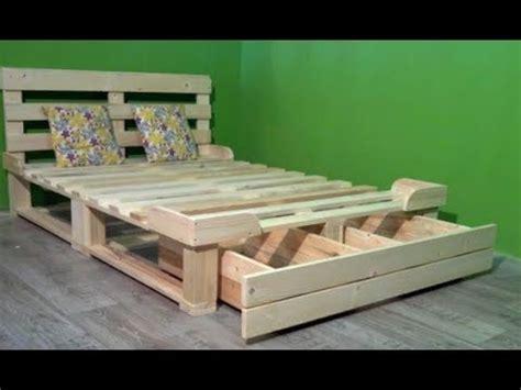fabriquer un valet de chambre 8 bonnes idées pour fabriquer un lit en palettes de bois