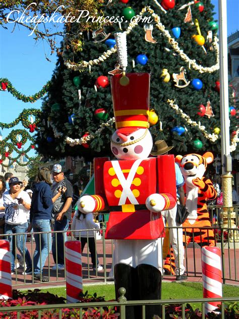fun facts  disney world christmas decorations