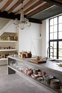 Füße Für Arbeitsplatte : arbeitsplatte aus beton mit offenen gemauerten regalen f r ~ Michelbontemps.com Haus und Dekorationen