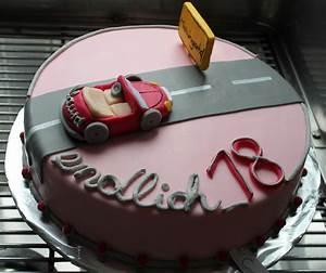 Kuchen 18 Geburtstag : topsy torte 18 geburtstag geburtstag pinterest kuchen zum 18 geburtstag kuchen rezepte ideen ~ Frokenaadalensverden.com Haus und Dekorationen