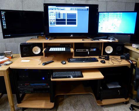 audio workstation desk rooms