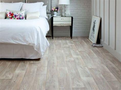 cleaning vinyl flooring   house wearefound home design