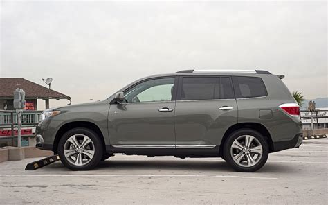 Toyota Highlander Motor by 2011 Toyota Highlander Reviews And Rating Motor Trend