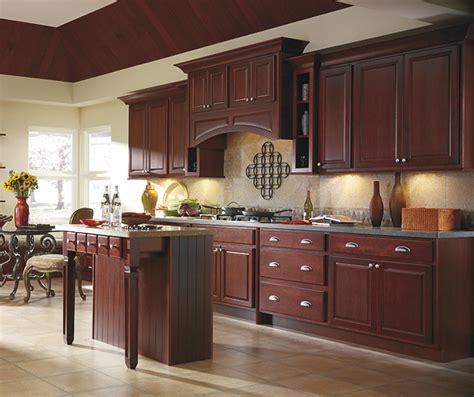 wine colored kitchen thomasville hudson maple trestle 1111