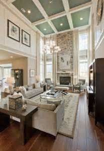 Decorating Ideas For Living Room With High Ceilings by Best 25 High Ceiling Decorating Ideas On High