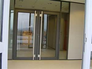 Porte vitree wikiliafr for Porte de garage enroulable et porte vitrée ancienne intérieur