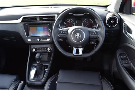 mg zs  review pictures auto express