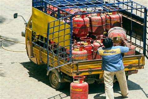 Lpg Gas Cylinder Home Delivery System Changing From 1 ...