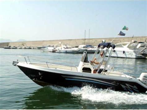 Freeboard Boat by Terminal Boat Freeboard 18 Barco De Lanchas De 5 50 Metros