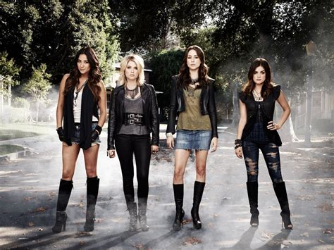 pretty  liars season  big  reveal major clue