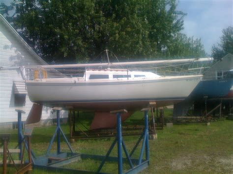 Boats For Sale Livonia Mi by 1985 Used Cruiser Sailboat For Sale 11 900