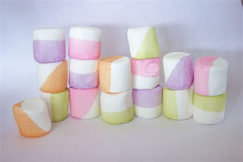 how to color marshmallows dip dyed marshmallows sisoo