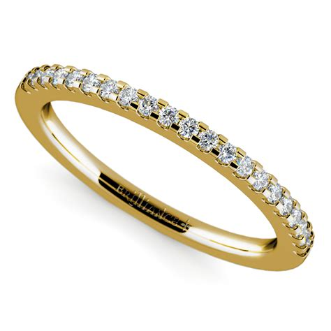 scallop diamond wedding ring  yellow gold  ctw