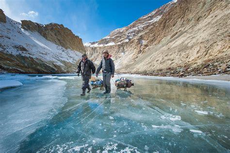 Chadar trek: the trek on the frozen river of Zanskar