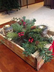 Rustic christmas coffee table decor for the home for Coffee table christmas decorations