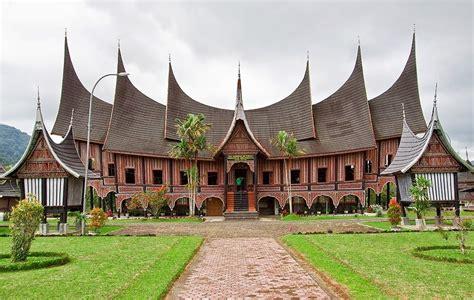 rumah adat  populer  indonesia