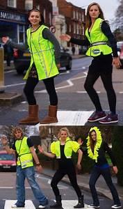 Hi Vis Vest With Led Lights Hi Vis Vest Offers Complete Roadside Safety With Style Tuvie