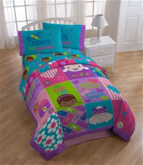 doc mcstuffins toddler bed set doc mcstuffins bedding cool stuff to buy and collect