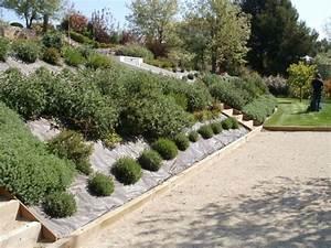 jardin amenagement paysager bute aix puyricard deco With amenager une terrasse exterieure 5 amenager parterre devant maison decor paysagiste jardin