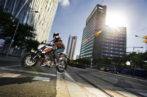 ktm duke 125 reifen ktm 125 duke technische daten aktuelle motorrad berichte bilder und gebrauchte motorr 228 der