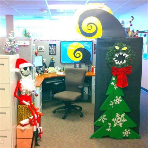 Impressive Holiday Cubicles To Get You In The Spirit | Shoplet