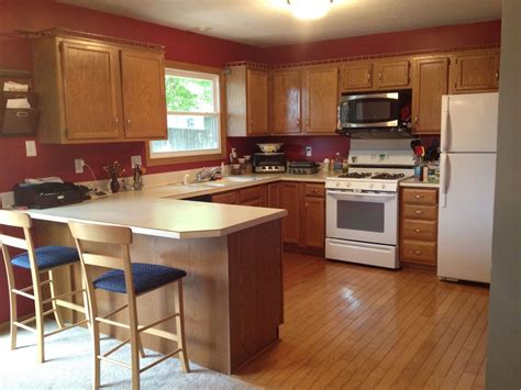 Types Of Kitchen Flooring Ideas - what color hardwood floor with oak cabinets