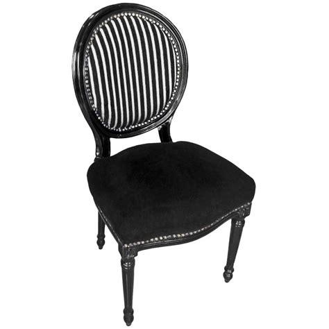 chaise noir et blanc chaise de style louis xvi 233 noir et blanc et bois noir