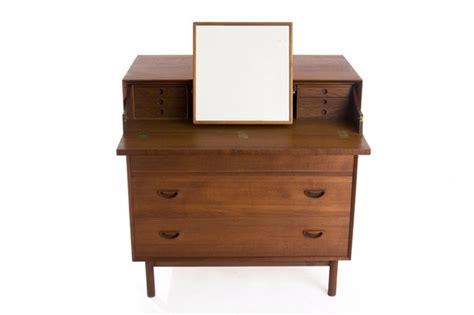 31008 link furniture modernist hvidt a link between caign furniture and