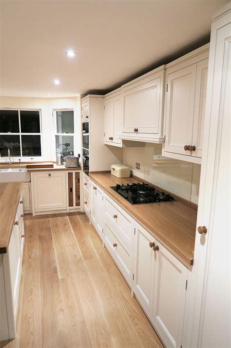 oak flooring kitchen top 25 best wood floor kitchen ideas on 1136