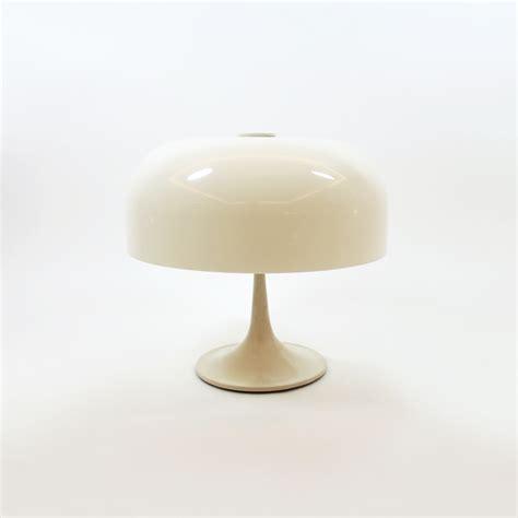 lampara de mesa italia anos