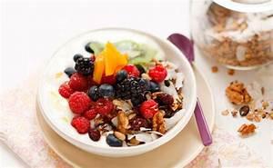Joghurt Mit Früchten Selber Machen : granola mit fr chten und joghurt rezept gusto at ~ Watch28wear.com Haus und Dekorationen