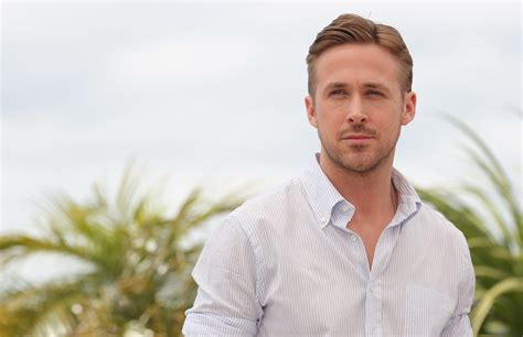 Ryan Gosling weight, height and age. We know it all!