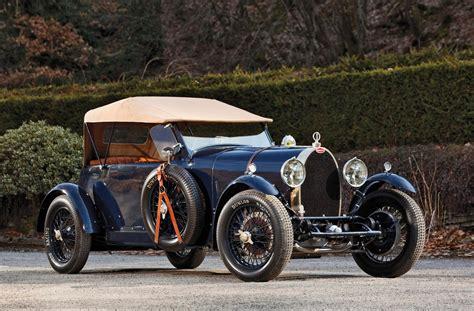 bugatti type 10 2017 bugatti chiron is official 100 pre orders locked in
