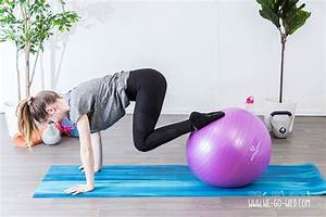 Abnehmen Mit Pilates : die 13 besten bungen mit gymnastikball f r zu hause ~ Frokenaadalensverden.com Haus und Dekorationen