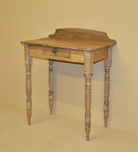 vintage end tables small pine side table q3192 antiques atlas 3192